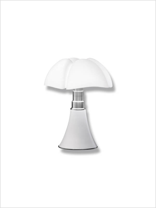 lampe pipistrello mini touch control g aulenti martinelli luce en offre sp ciale sur zeeloft. Black Bedroom Furniture Sets. Home Design Ideas