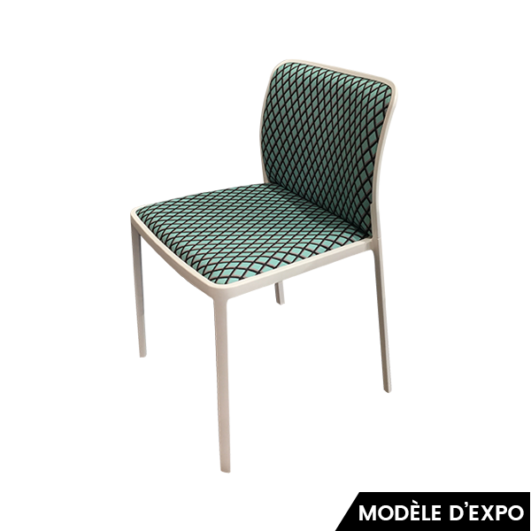 chaise audrey memphis vert noir kartell pas cher grandes marques en promo sur zeeloft. Black Bedroom Furniture Sets. Home Design Ideas