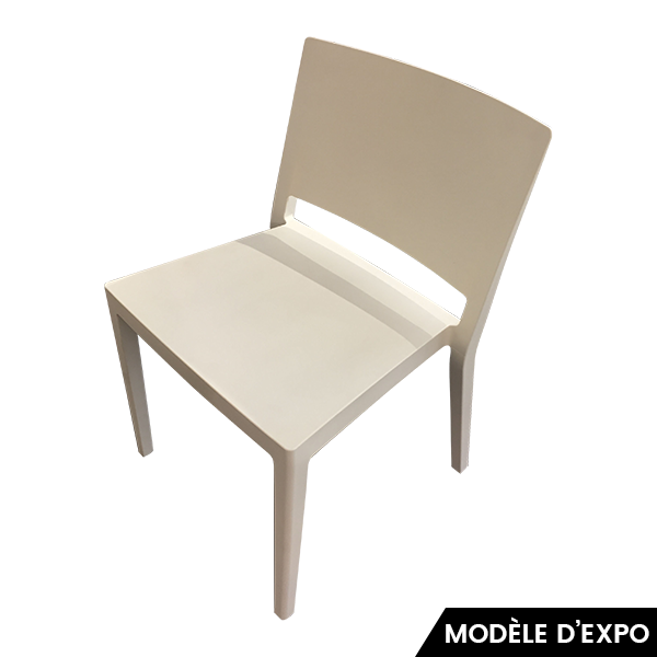 chaise lizz blanc p lissoni kartell pas cher grandes marques en promo sur zeeloft. Black Bedroom Furniture Sets. Home Design Ideas