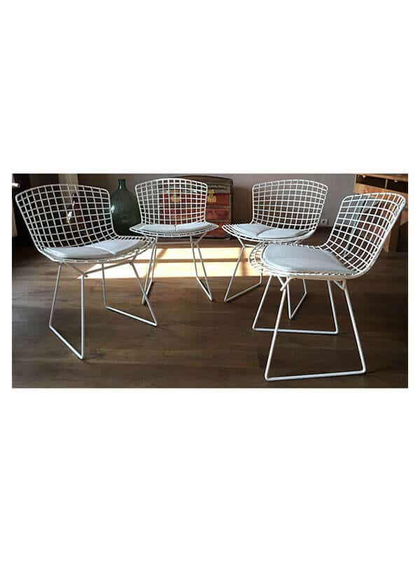 chaise bertoia lot de 4 blanc knoll d 39 occasion zeeloft. Black Bedroom Furniture Sets. Home Design Ideas