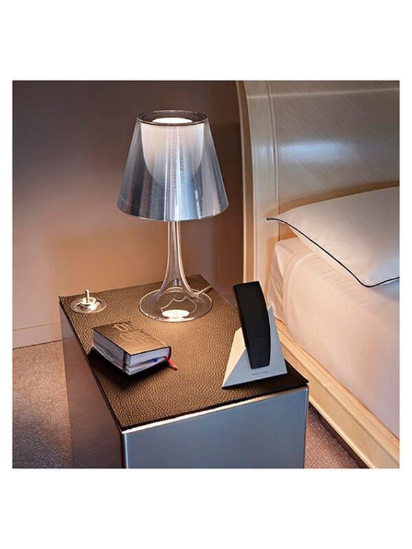 lampe miss k rouge p starck flos pas cher grandes marques en promo sur zeeloft. Black Bedroom Furniture Sets. Home Design Ideas
