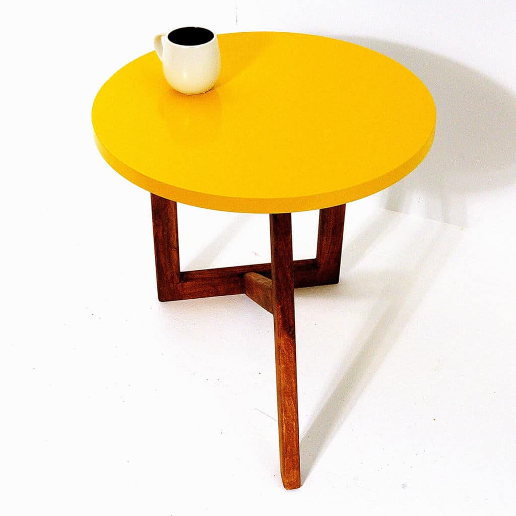 Table basse acacia jaune baobab pas cher grandes for Table exterieur jaune